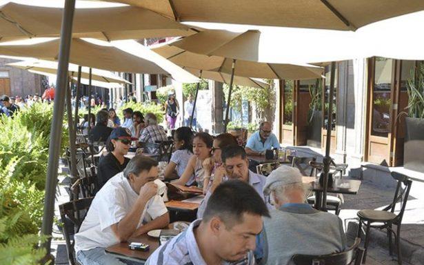 Capacitan a más de 600 personas del ramo de servicios turísticos