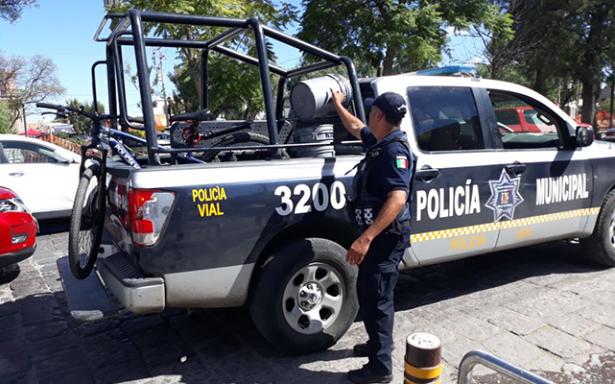 Retiran objetos para apartar lugares en la Calzada de Guadalupe