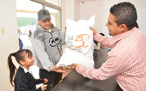 Ayuntamiento inicia última entrega del año de 45 mil apoyos alimentarios
