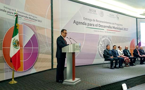 "Premian a municipios de SLP por ""inicio a la transformación"""