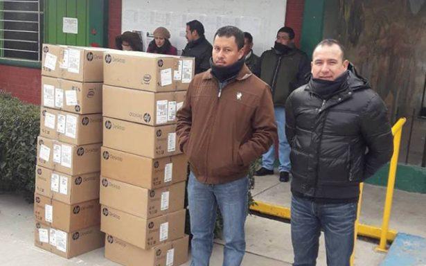 IEIFE dona lote de equipo de cómputo al CBTA 52