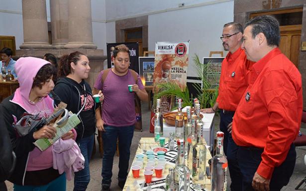 """Productores potosinos invitan al segundo """"Festival del Mezcal"""""""