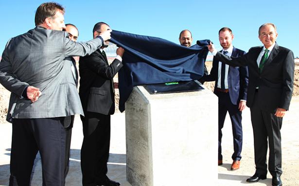 JMCL coloca primera piedra de nueva Planta Valeo