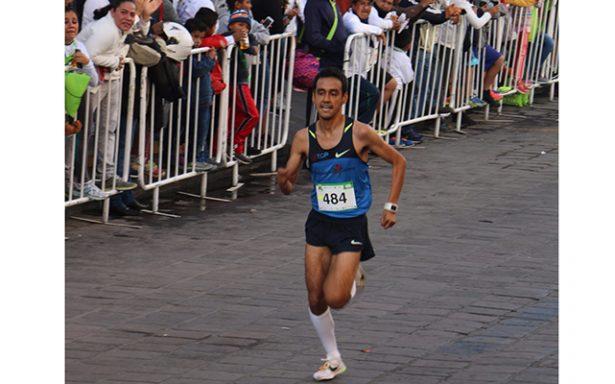 Atleta rioverdense René Ortiz, quinto en maratón de Monterrey