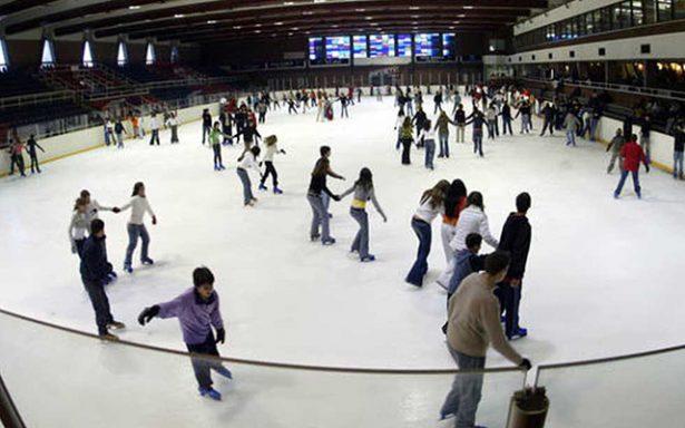 Vive San Luis Potosí fiebre sobre hielo por temporada navideña
