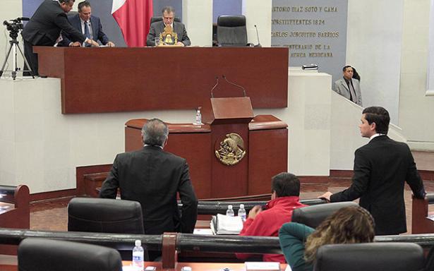 Se turnan a comisiones las propuestas para fiscales especializados
