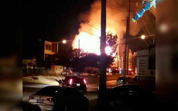 Noche de incendios vive SLP en año nuevo