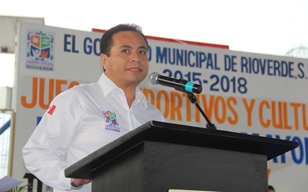 Apoyamos a empresarios e instalación de empresas para que ocupen a nuestros jóvenes: Ramón Torres