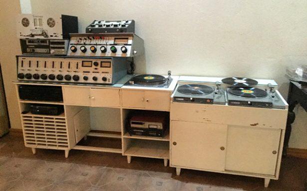El Museo Regional recibe donación de piezas arqueológicas y aparatos antiguos