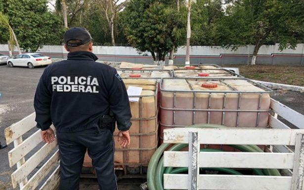 Aseguran policías estatales mil 200 litros de hidrocarburo