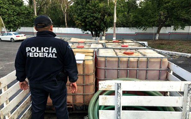 Asegura policía federal 6 mil litros de hidrocarburo y detiene a 10 presuntos en una semana
