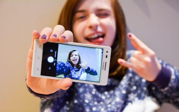 """""""Selfitis"""" afecta a los adolescentes"""