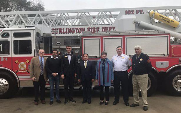 Gran logro histórico para Soledad; se recibe donación de camión de bomberos