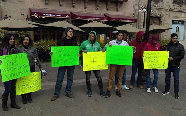 Estudiantes exigen disminución en tarifa del transporte público