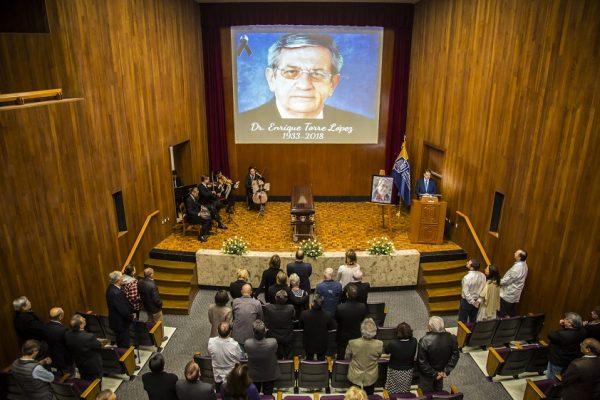 UASLP rinde homenaje al doctor Enrique Torre López