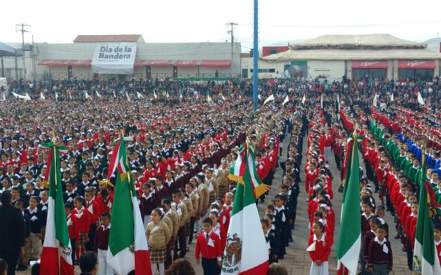 Los Niños deben de honrar a la Bandera: Carreras - El Sol de San Luis (Comunicado de prensa) 1
