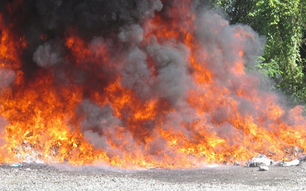 PGR incinera drogas y destruye objetos decomisados