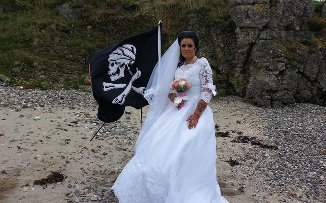 Mujer asegura estar casada con ¡el espíritu de un pirata muerto!