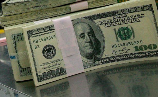 Peso recupera cinco centavos frente al dólar que se vende en 18.29 pesos