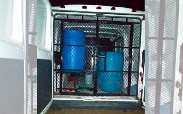 Detienen a custodio del Cereso Tulancingo: llevaba huachicol en camioneta penitenciaria