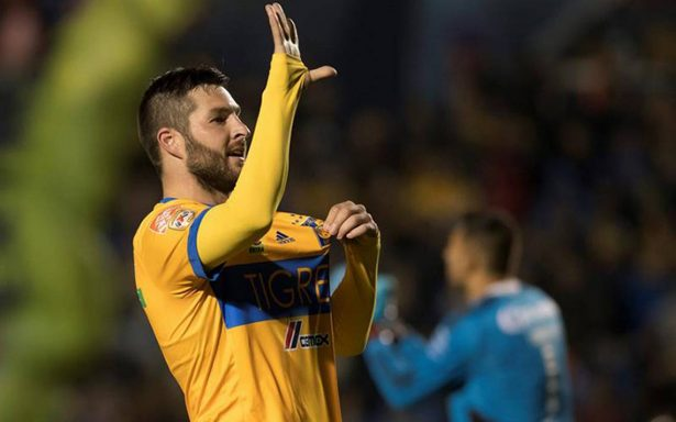 Tigres logra su primera victoria, vence 2-1 a Santos