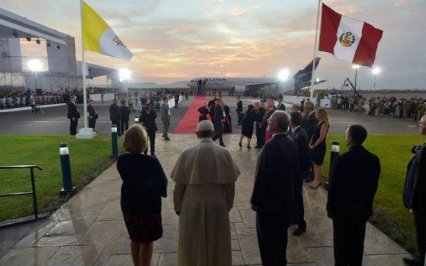 El papa cierra su visita a Chile y Perú con dura condena a la corrupción