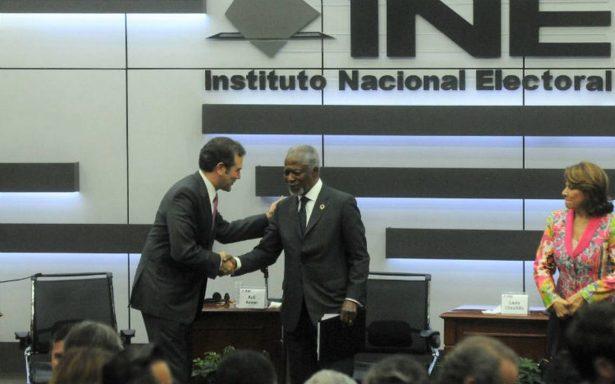 Kofi Annan hace un llamado para que sistemas democráticos sean más efectivos