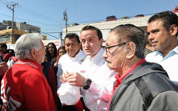 Mikel Arriola visita mercado de Azcapotzalco; sostiene que la seguridad es para todos