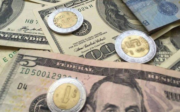 Dólar se vende hasta en 19.10 pesos en bancos capitalinos