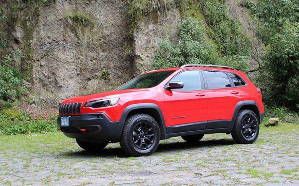 Estas vacaciones viaja en un Jeep Cherokee; sutil aventurero