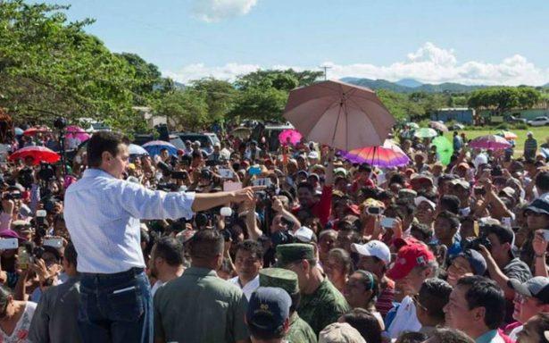 Ante afectados por sismo, Peña Nieto adelanta el Grito de Independencia en Cintala, Chiapas
