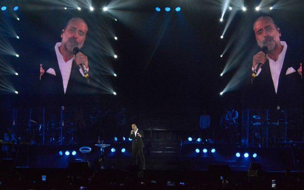 [Video] Entre lágrimas, Potrillo lamenta sismo y dona taquilla de su concierto