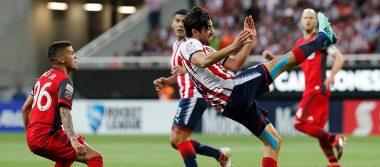 Chivas vence a Toronto en penales y se convierte en campeón de Concacaf