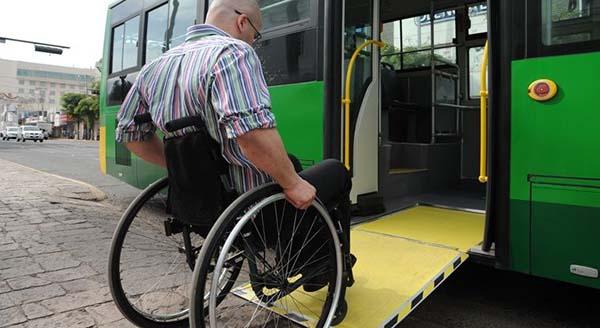 Personas discapacitadas podrán obtener un 50%de descuento en el transporte urbano