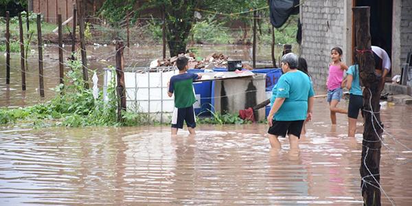 Cerca de 70 familias afectadas por inundaciones
