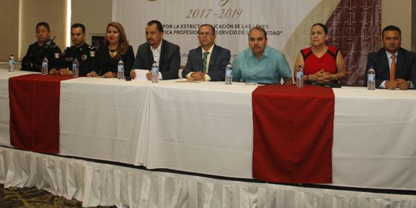 """Asume Alma Cázarez presidencia de colegio """"Juan M. Zambada"""""""