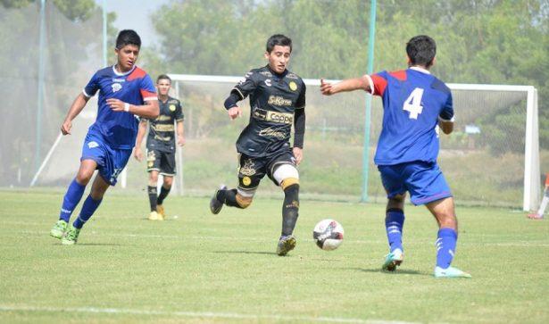 José Lugo debutó con los Dorados