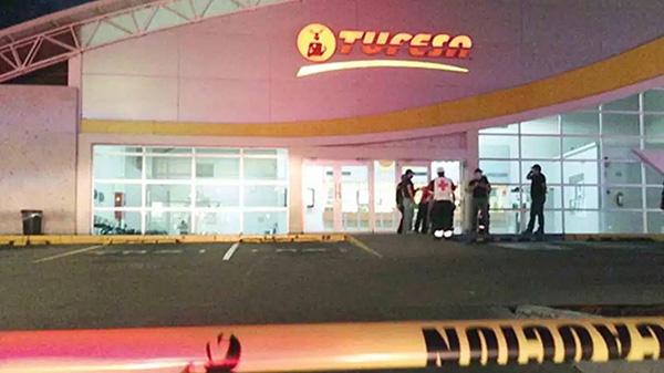 De Sinaloa los dos jóvenes asesinados en una central de autobuses de Sonora