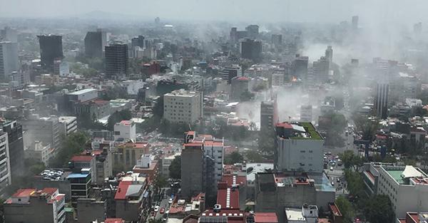 Fuerte sismo de 7.1 vuelve a pegar a México