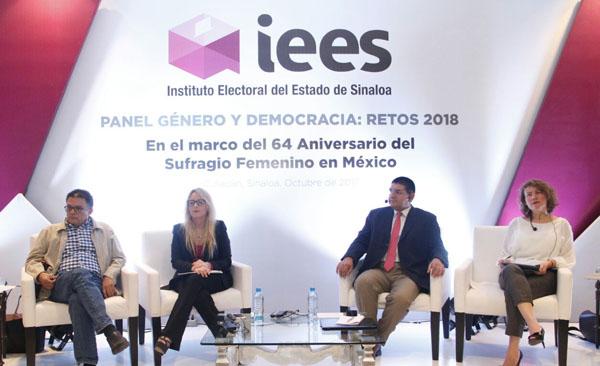 """Realiza IEES panel """"Genero y Democracia: retos 2018"""""""