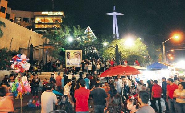 Cerrado el tráfico vehicularlas calles aledañas a La Lomita