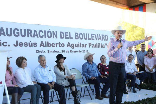 Inaugura Quirino Ordaz obras viales por 30 millones de pesos