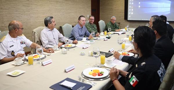 Se reúne el gobernador con el nuevo comandante de la III Región Militar