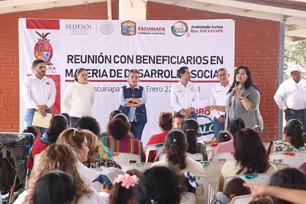 SEDESOL destina 5 millones para construir pisos y techos firmes en Escuinapa