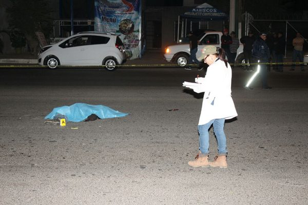 Muere al tratar de cruzar la carretera a Sanalona