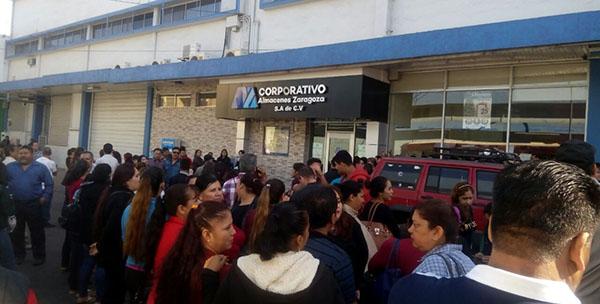 Trabajadores de MZ exigen aguinaldo, quincenas y liquidación