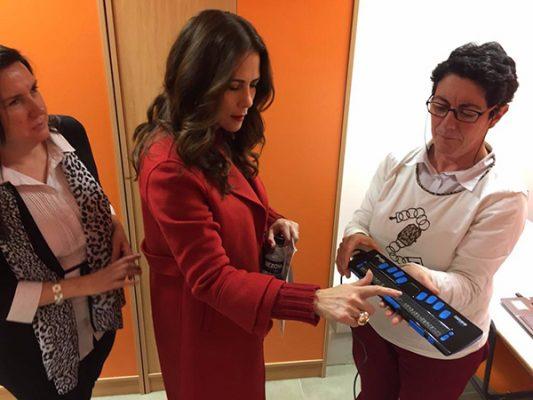 Rosy Fuentes visita centros de atención para autismo en España