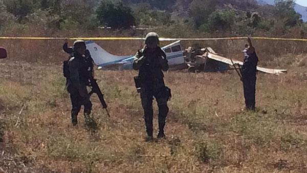 Mueren dos personas en accidente aéreo en la sindicatura de Imala