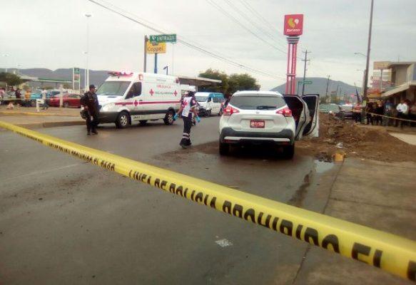Un muerto y una herida dejo balacera en la Lázaro Cárdenas