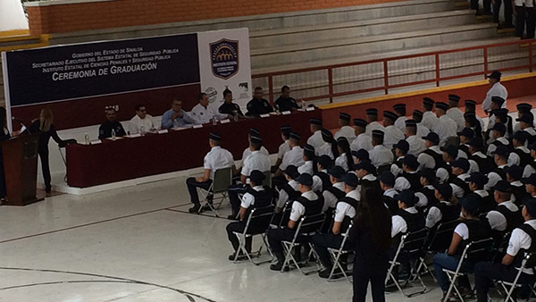Se gradúan los cadetes como elementos policíacos